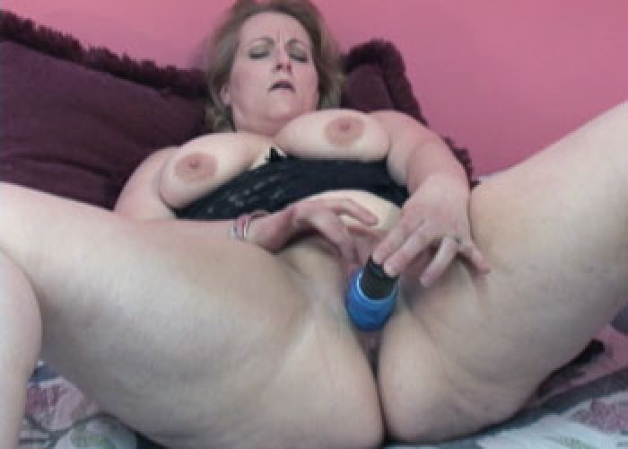 Rebecca a mature MILF Swinger with Big Tits with Free Porn